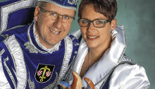 Prinz Oliver der 1. der lustige Laienspieler aus dem Rat der Herren, mit seiner Lieblichkeit Prinzessin Katja 1. von Beauty und Secco aus dem Rat der Damen